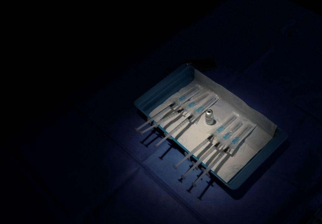 Κοροναϊός : Ένα δισ. εμβόλια θα περισσέψουν στη Δύση, οι φτωχοί όμως στη μοίρα τους