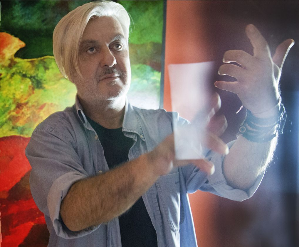 Zinelli: «Η τέχνη μας θυμίζει τα δικά μας χρέη»