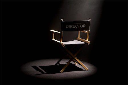Η σκοτεινή δράση του σκηνοθέτη : Παραμύθιαζε 14χρονα ότι έχουν ταλέντο και τους έταζε καριέρες