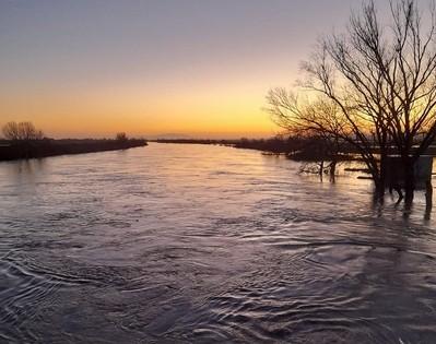 Στα επτά μέτρα έφτασε η στάθμη του νερού στο Πέταλο Φερών – Σε επιφυλακή για τον κίνδυνο πλημμύρας