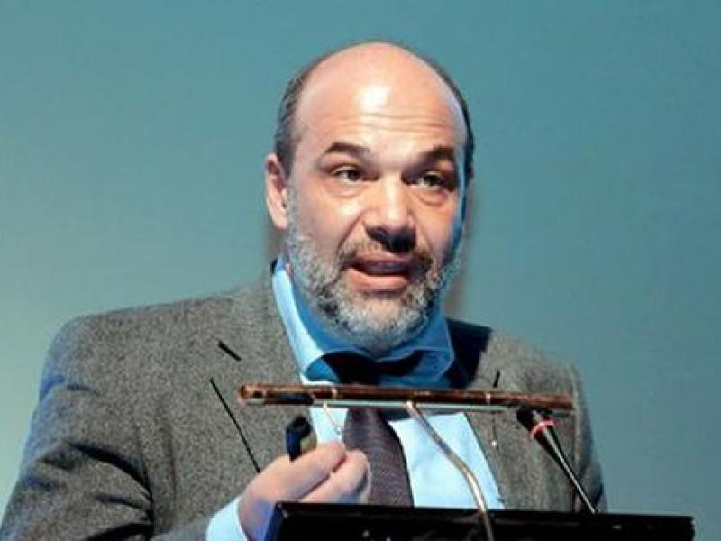 Κοροναϊός : Τι προβλέπει Ελληνας καθηγητής στη Σορβόνη για την πανδημία