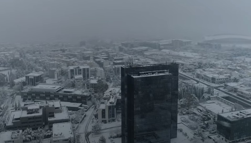 Μήδεια : Έλληνες συνωμοσιολόγοι αμφιβητούν… την ύπαρξη του χιονιού