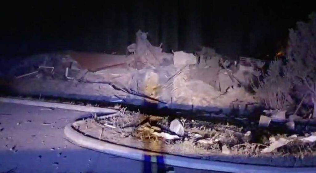 Συγκλονίστηκε η Καστοριά : Φοβερή έκρηξη ισοπέδωσε εμβληματικό ξενοδοχείο 4 ορόφων (βίντεο)
