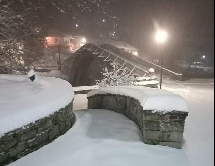 Κακοκαιρία «Μήδεια» : Σαρώνει τη χώρα με ισχυρές βροχές και πυκνές χιονοπτώσεις – Ποιες περιοχές θα χτυπήσει τις επόμενες ώρες