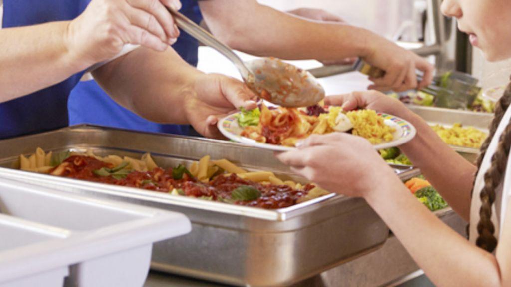 Σχολικά γεύματα : Πότε αρχίζουν ξανά – «Πόλεμος» για τη διακοπή τους