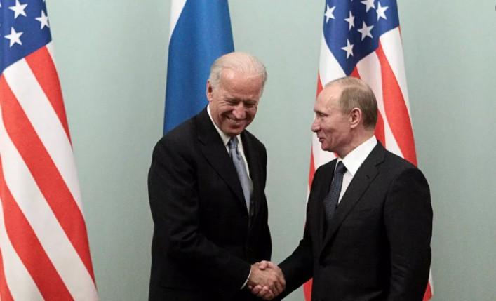 Η Μόσχα ανακαλεί τον πρέσβη της στις ΗΠΑ μετά το «δολοφόνος» του Μπάιντεν
