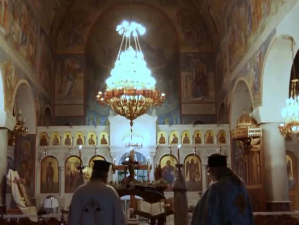 Κοροναϊός : Αδιανόητος συνωστισμός σε κηδεία ιερέα στη Δράμα – Βίντεο ντοκουμέντο