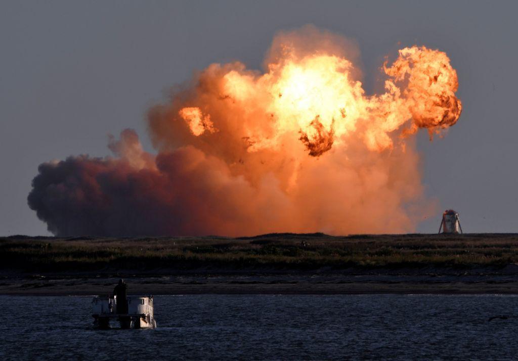 SpaceX : Εξερράγη και ο τρίτος πύραυλος Starship κατά την προσγείωσή του