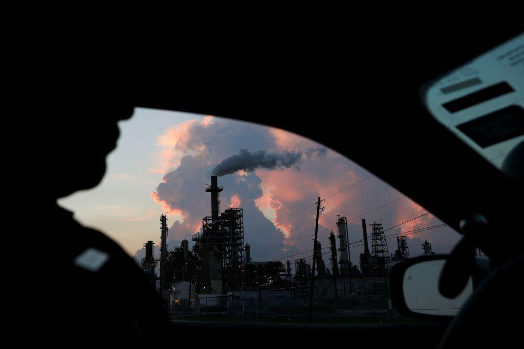 Οι εκπομπές CO2 αυξάνονται και πάλι, προειδοποιεί η Διεθνής Υπηρεσία Ενέργειας