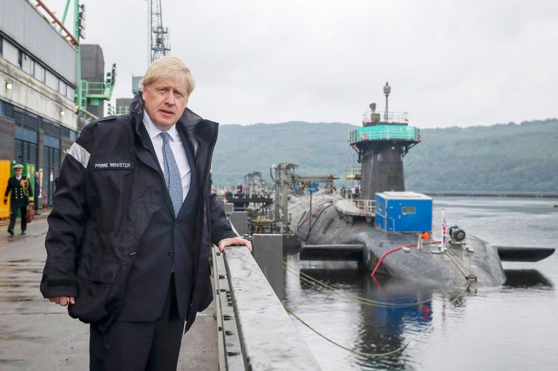 Γιατί η Βρετανία παραβιάζει τη Συνθήκη για τη μη διάδοση των πυρηνικών όπλων;