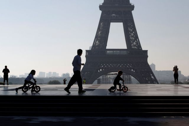 Γαλλία: Πάνω από 65.000 νέα κρούσματα – Τετραπλάσια από την προηγουμένη ημέρα