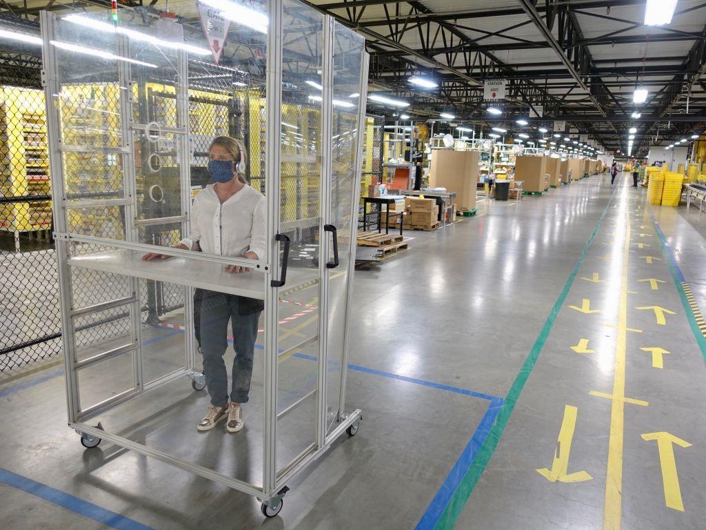 Καναδάς : Λουκέτο σε κέντρο διανομής της Amazon μετά τον εντοπισμό εκατοντάδων κρουσμάτων κορονοϊού