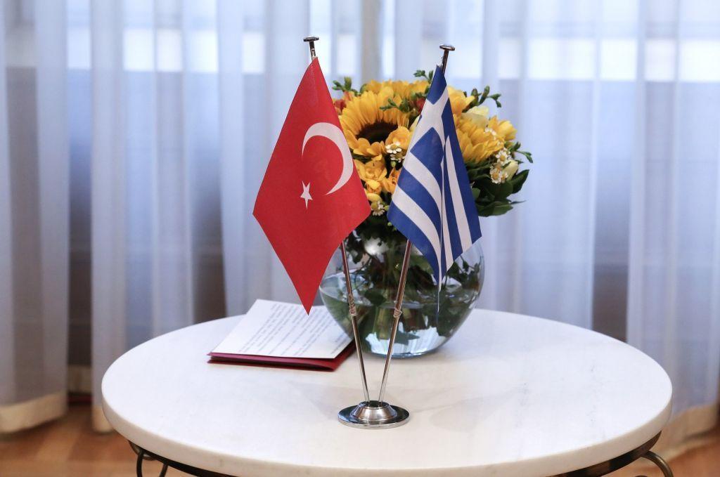 Διερευνητικές επαφές : Σε εξέλιξη η συνάντηση σε κεντρικό ξενοδοχείο της Αθήνας