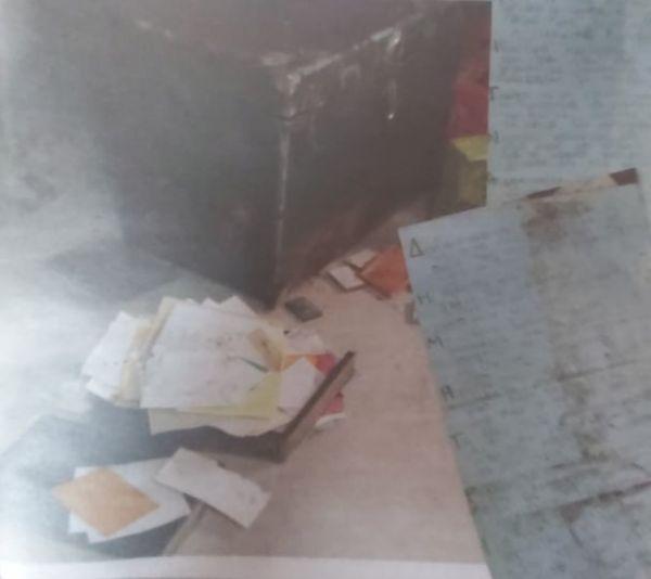 Οι αρχές βρήκαν στο υπόγειοερωτικές επιστολέςπου λάμβανε ο Δημήτρης Λιγνάδης, Λιγνάδης : Στο φως οι ερωτικές επιστολές που βρέθηκαν στο υπόγειο του σπιτιού του, Eviathema.gr | ΕΥΒΟΙΑ ΝΕΑ - Νέα και ειδήσεις από όλη την Εύβοια