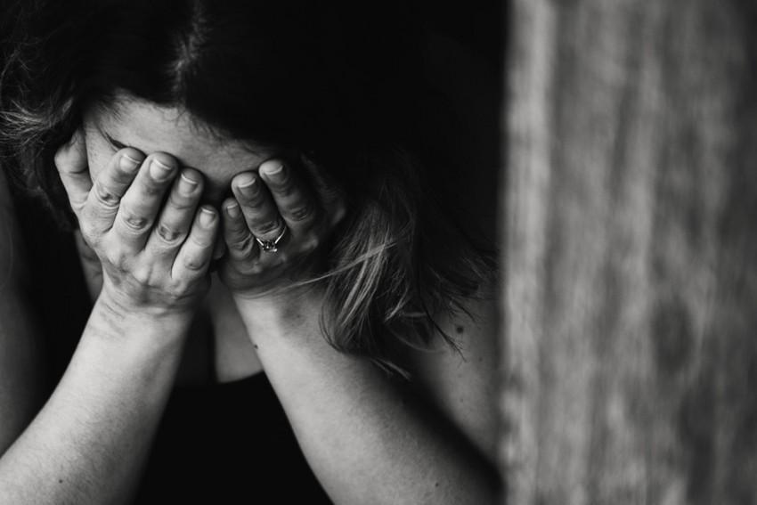 Η σπάνια ιατρική περίπτωση 25χρονης που έχυνε δάκρυα από αίμα στη διάρκεια της περιόδου της
