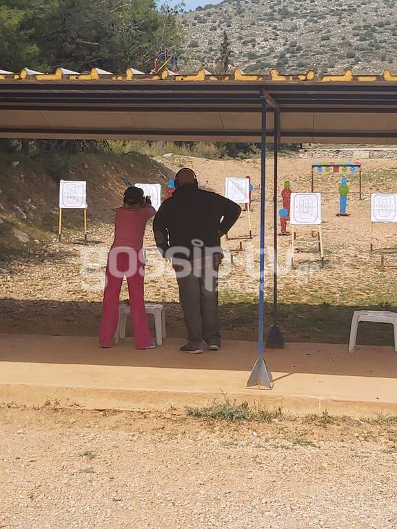 Τέτα Καμπουρέλη : Πήγε για Σκοποβολή και ο σύζυγός της κρατείται για το ριφιφί[photos]