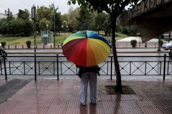Καιρός : Ηλιοφάνεια και λίγες νεφώσεις - Πού θα βρέξει