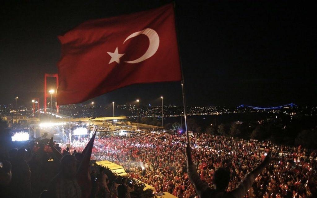 Τουρκία : Συλλαμβάνουν τους ναυάρχους – Ανάμεσά τους και τον «πατέρα» της Γαλάζιας Πατρίδας