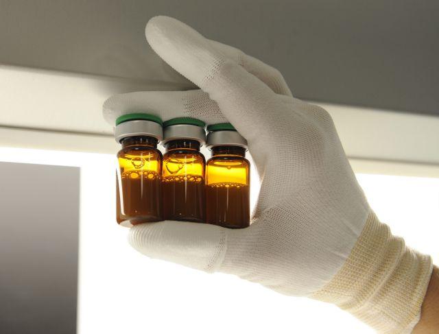 Κοροναϊός: «Χείρα βοηθείας» από τη Sanofi στη Moderna για την παραγωγή 200 εκατ. δόσεων εμβολίου