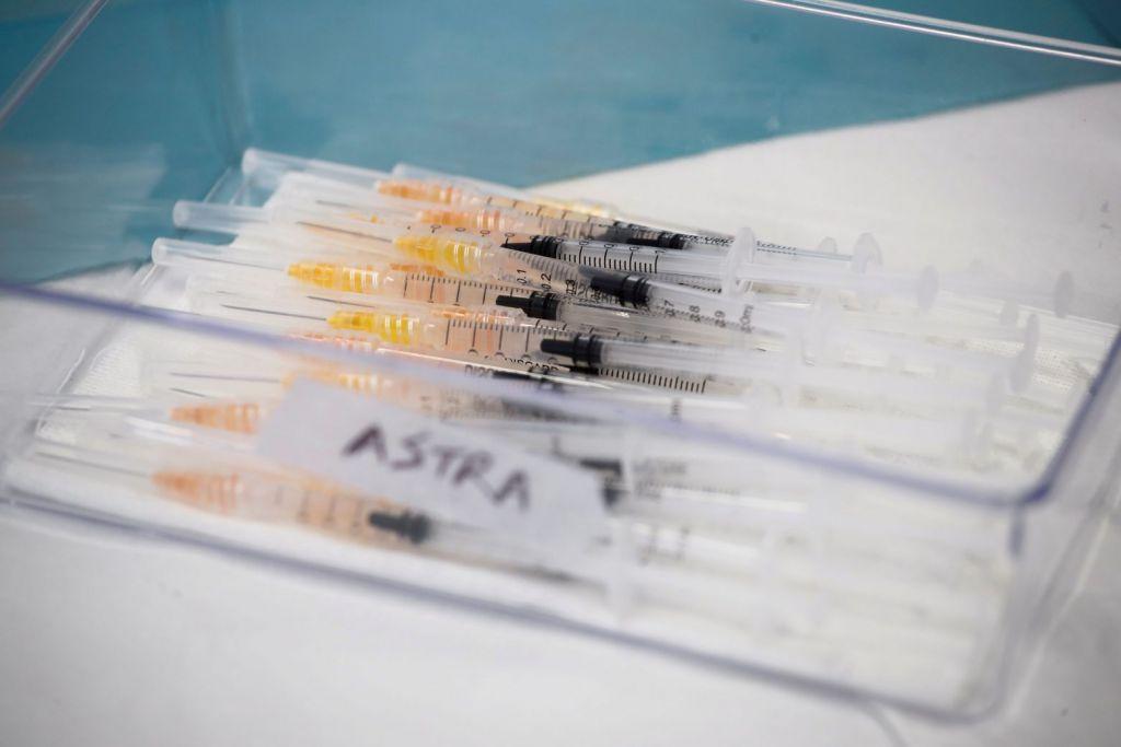 Εμβόλιο AstraZeneca : H Δανία σταματά οριστικά τη χρήση του