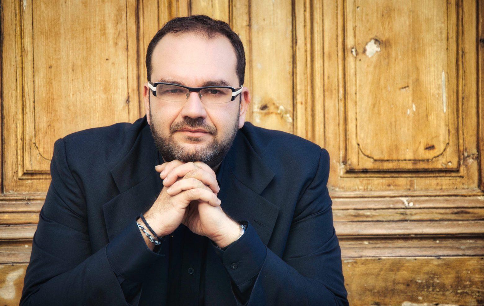 O Ανδρέας Κατσιγιάννης μιλάει στο in.gr για το μουσικό οδοιπορικό «Της  σιωπής ο τόπος» που θα προβληθεί στο MEGA   in.gr
