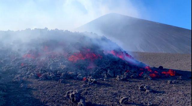 Αρναούτογλου : Πάνω από την Κρήτη στροβιλίζονται οι εκπομπές διοξειδίου του θείου από την έκρηξη της Αίτνας
