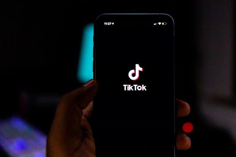 Tik Tok : Μήνυση δισεκατομμυρίων κατά της εφαρμογής για χρήση δεδομένων ανηλίκων