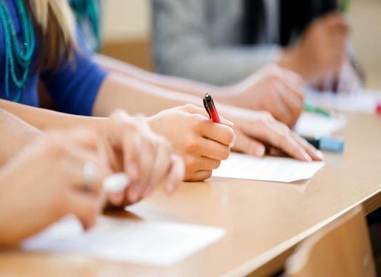 Υπ. Παιδείας : «Πράσινο φως» για τη διεξαγωγή εξετάσεων - Τι προβλέπει η νέα ΚΥΑ
