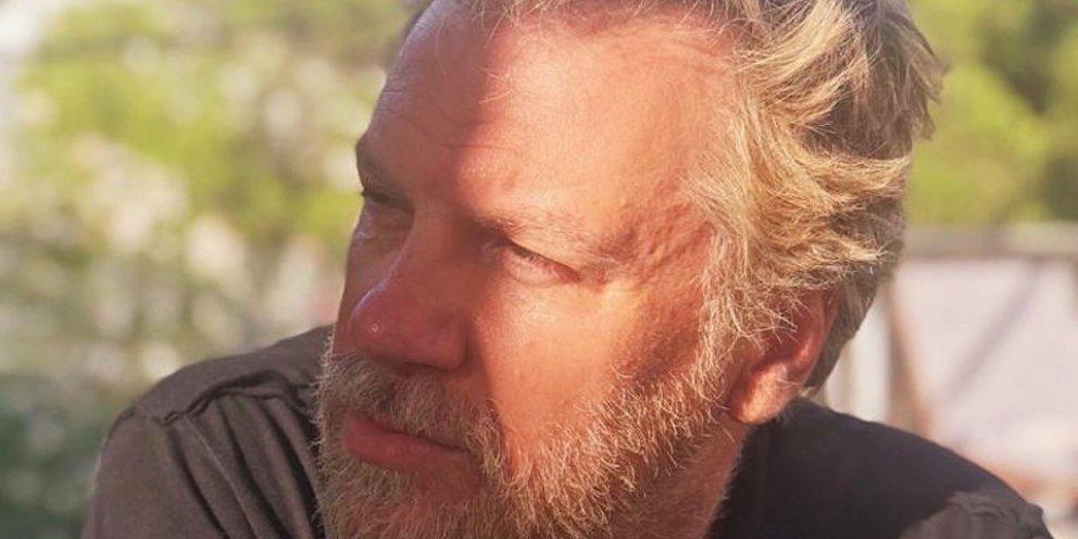 Κώστας Σπυρόπουλος : «Η κατάσταση του είναι σοβαρή. Προσεύχονται να μη  διασωληνωθεί»   in.gr