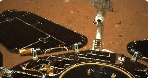 Πλανήτης Άρης: Το κινεζικό ρόβερ κινήθηκε για πρώτη φορά πάνω στην επιφάνειά του