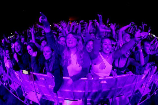 Κοροναϊός: Συναυλία – πείραμα στο Λίβερπουλ με 5.000 θεατές χωρίς μάσκες