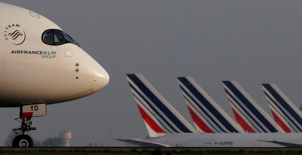 Γαλλία: Φιλόδοξος «πράσινος νόμος» περιορίζει τις πτήσεις και τα πλαστικά