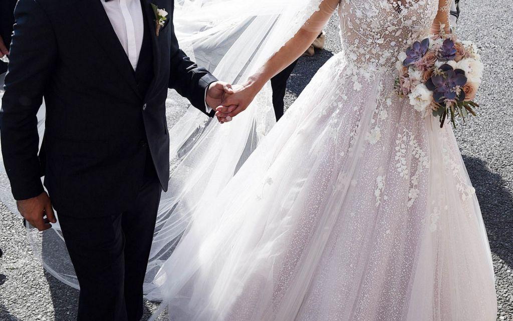 Γάμοι: Ησαΐα χόρευε από την 1η Ιουνίου - Γάμοι, βαφτίσια και δεξιώσεις θα τελούνται πλέον -ως ένα βαθμό- κανονικά, καθώς αίρονται οι αυστηροί περιορισμοί που εφαρμόστηκαν