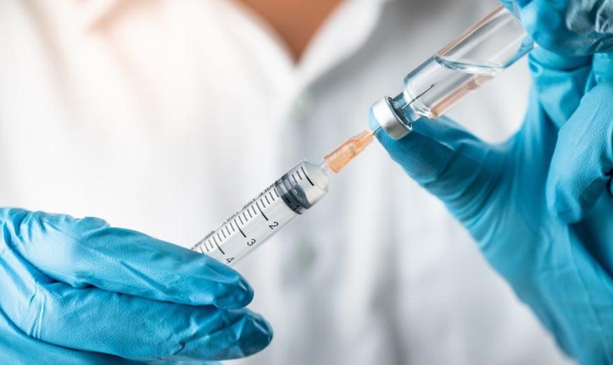 Θεμιστοκλέους: Ξεπέρασαν τα 3,74 εκατ. οι εμβολιασμοί – Τέλη Μαΐου τα ραντεβού για 30άρηδες και 40-44 για όλα τα εμβόλια