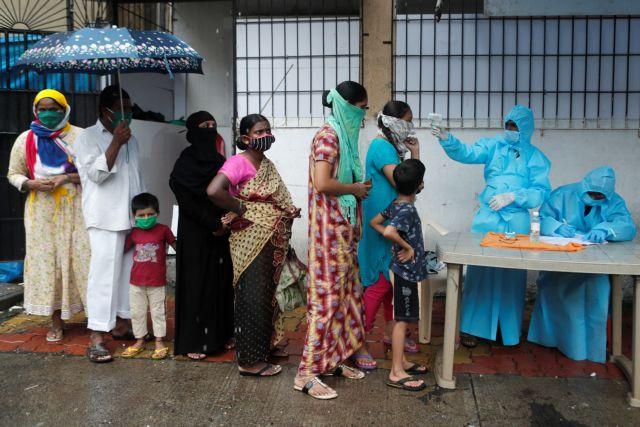 Ινδία: 3.900 θάνατοι και 326 κρούσματα σε 24 ώρες