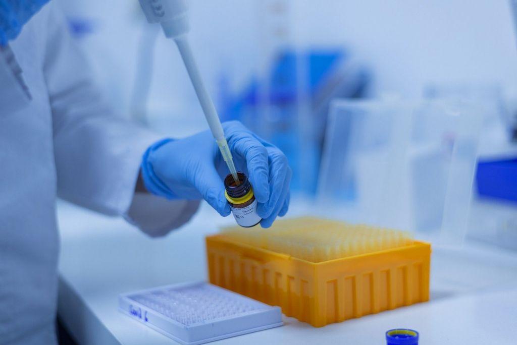 Η πανδημία απαιτεί ενημέρωση για τη βιολογία