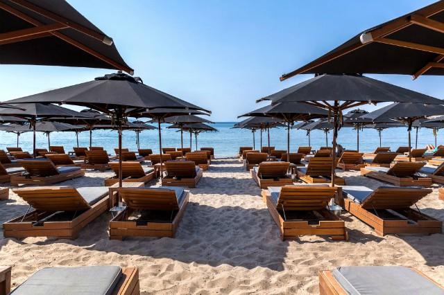 Lockdown: Ανοίγουν οργανωμένες παραλίες – Τι θα γίνει με λιανεμπόριο και φροντιστήρια