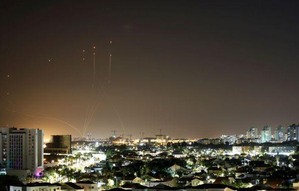 Ισραήλ: Νύχτα με σειρήνες στο Τελ Αβίβ και βροχή από παλαιστινιακές ρουκέτες