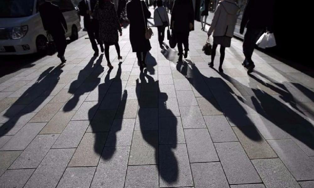 Έρευνα: Ένας στους δύο ανθρώπους παγκοσμίως είδε τα εισοδήματά του να μειώνονται λόγω πανδημίας