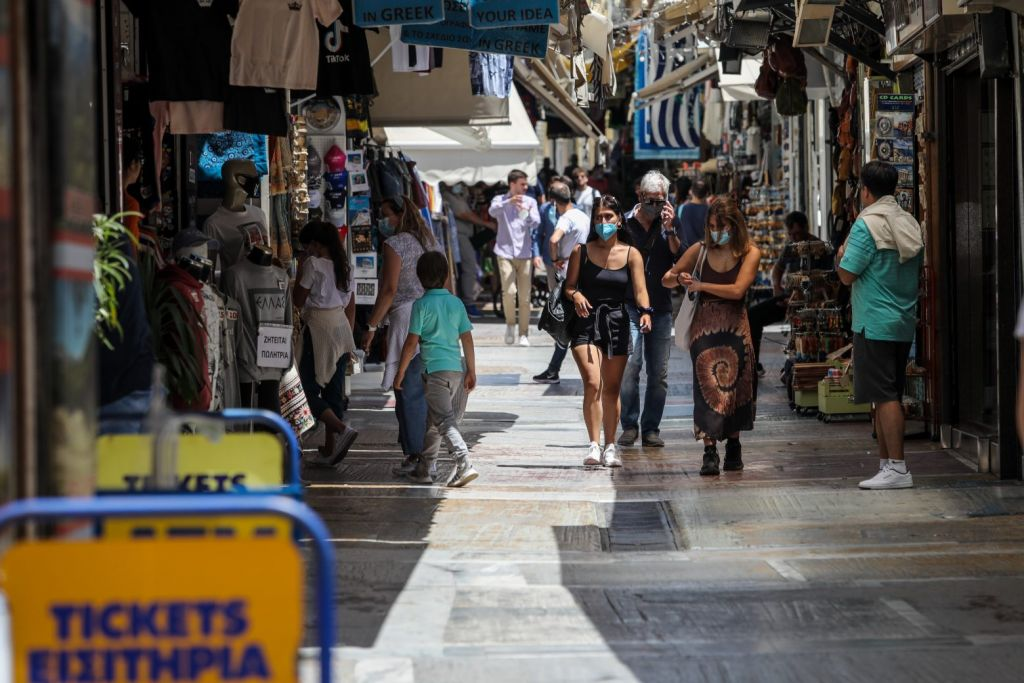 Χαρδαλιάς: Τέλος από αύριο οι μάσκες σε εξωτερικούς χώρους – Παύει να ισχύει η απαγόρευση κυκλοφορίας