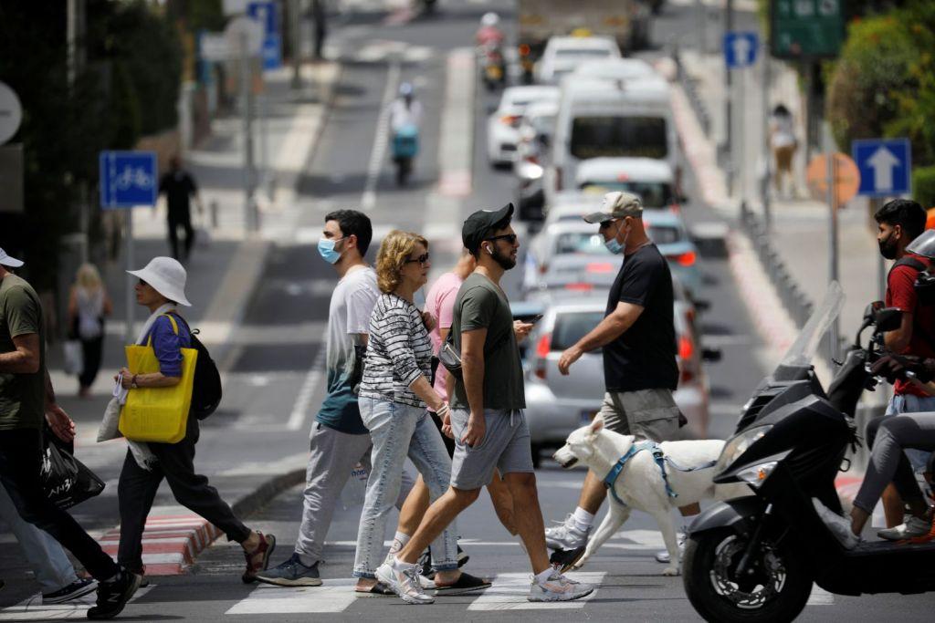Κοροναϊός: Τέλος οι μάσκες στο Ισραήλ καθώς τα κρούσματα πέφτουν