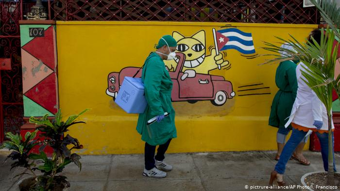 Κούβα: Αρνητικό ρεκόρ κρουσμάτων με… μείωσή τους στην Αβάνα λόγω εμβολίων