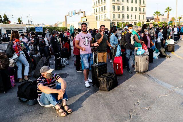 Απίστευτη ταλαιπωρία στο λιμάνι του Πειραιά λόγω της 24ωρης απεργίας των ναυτικών