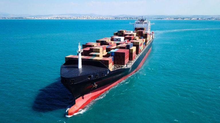 ΙΜΟ: Μείωση των εκπομπών άνθρακα από τα πλοία κατά 11% έως το 2026