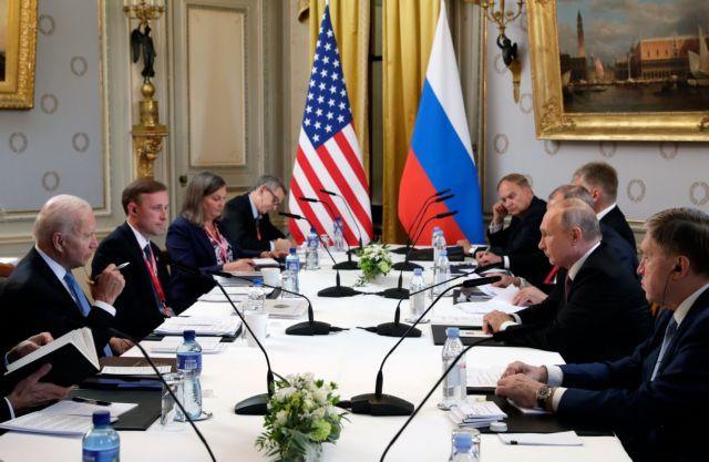 Ολοκληρώθηκε η μαραθώνια συνάντηση Μπάιντεν-Πούτιν στη Γενεύη