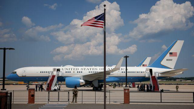 ΗΠΑ: Επιστροφή στο αεροδρόμιο για το αεροσκάφος που μετέφερε την αντιπρόεδρο