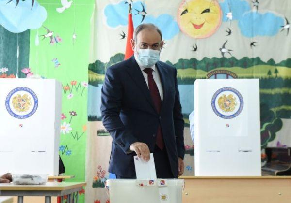 Αρμενία: Ευρύ προβάδισμα για το κόμμα του Πασινιάν καταγράφουν τα πρώτα αποτελέσματα