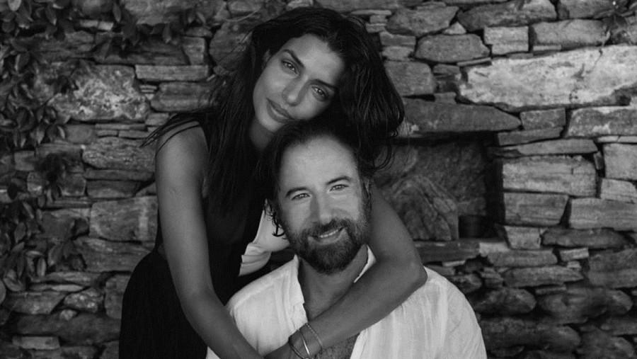 Τόνια Σωτηροπούλου: Στην Κάρπαθο με τον Κωστή Μαραβέγια | in.gr