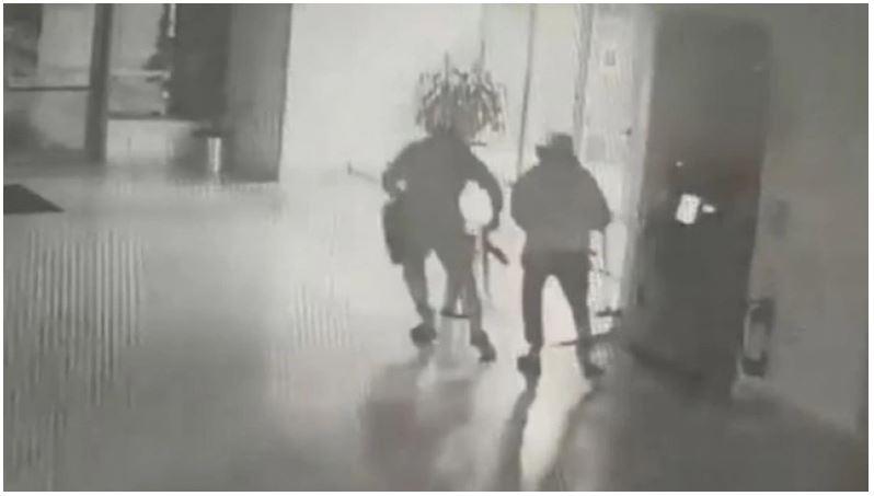 Γνωστός τράπερ ανάμεσα στους συλληφθέντες της σπείρας που «χτυπούσε» ATM