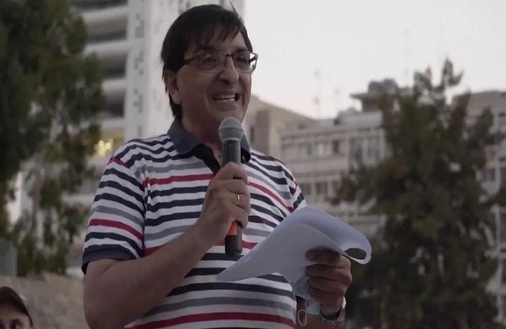 Ελπιδοφόρος Σωτηριάδης: Με διδακτορικό στο Χάρβαρντ ο διοργανωτής των αντιεμβολιαστών στην Κύπρο